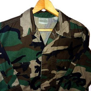Military Fatigues Woodland Camouflage Jacket Sz M